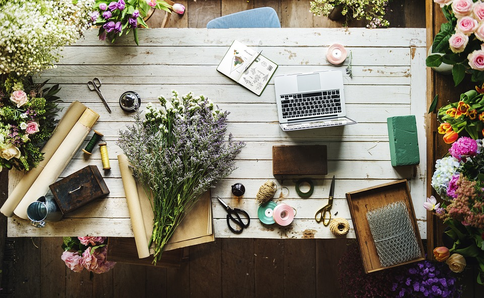 Travailler chez soi - Devenir fleuriste en ligne